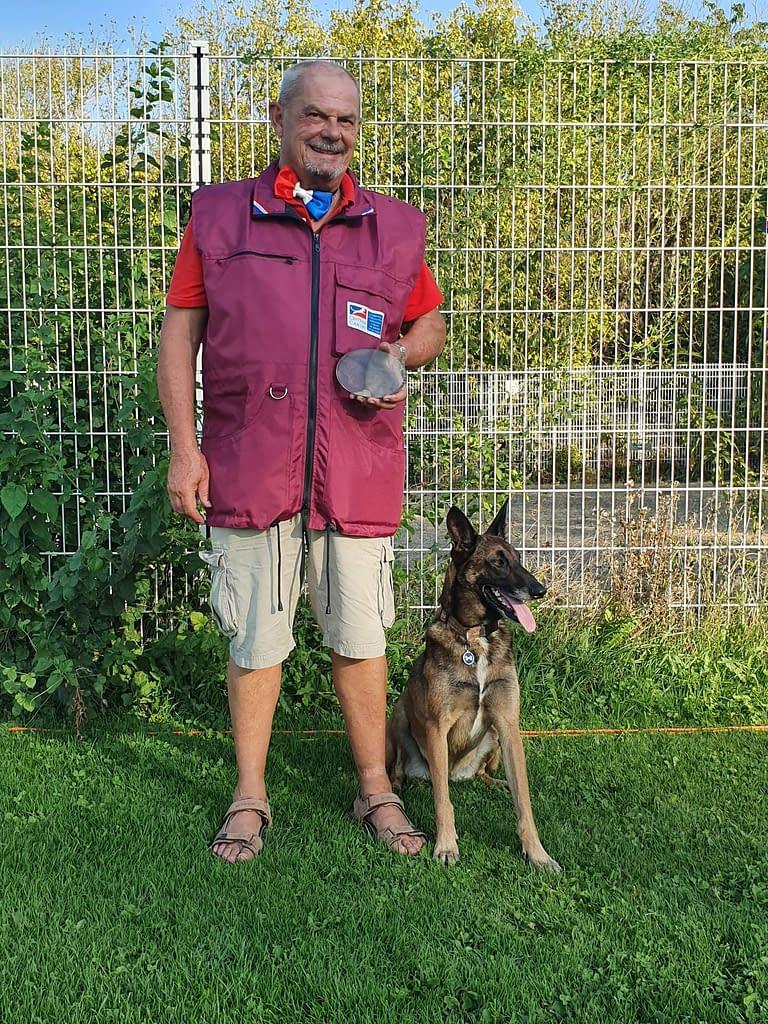 Un beau duo Club d'éducation canine de SOURZAC (24) Dordogne